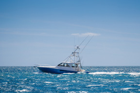 picture of a boat in the ocean on Heintz & Becker's boat accident service page